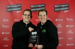 """And the Winner is... FastBill: CEO René Maudrich und Geschäftsführer Christian Häfner räumten mit ihrer webbasierten Komplettlösung bei den t3n Webawards den ersten Preis in der Kategorie """"Bester SaaS-/Cloud Service national"""" ab."""