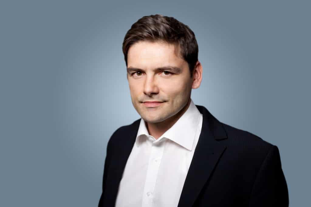 Neue Spielregeln: Rechtsexperte Thomas Schwenke zu Trends, Herausforderungen und neuen Risiken für Freelancer & Unternehmen beim Business im WWW 2014.