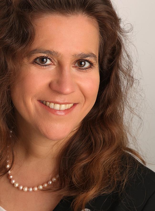 Warum beim Recruiting von Freelancern neben Employer Branding auch hybride Beschäftigungsmodelle nicht mehr wegzudenken sind: Daniela Chikato von Projektwerk zu Herausforderungen 2014.
