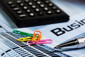 Was IT-Freiberufler im Schnitt verdienen und wie hoch ihre Abgaben sind