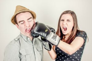 Lasst den Streit nicht eskalieren mit der richtigen Konfliktlösungsstrategie!