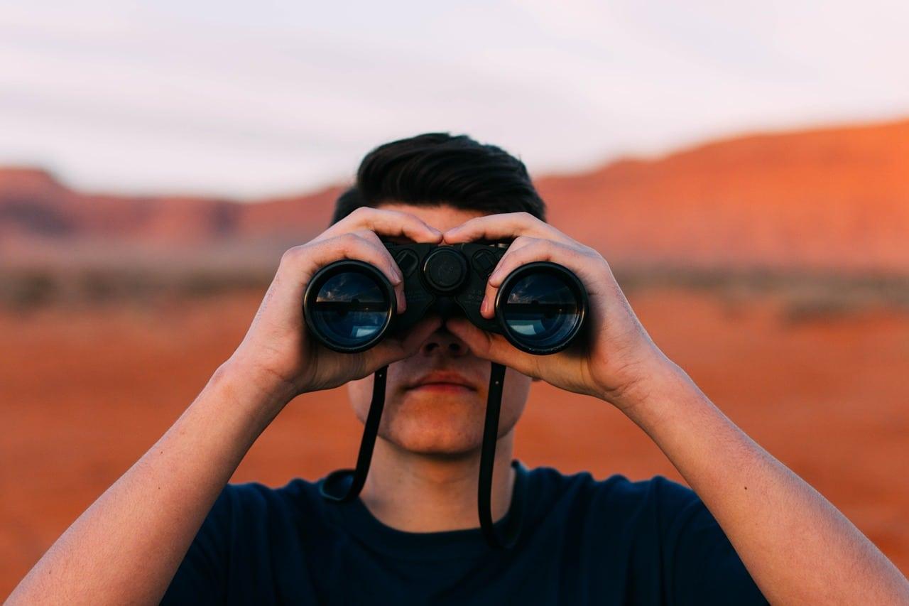 Die Konkurrenz nicht aus den Augen verlieren – So analysiert ihr eure Wettbewerber richtig!