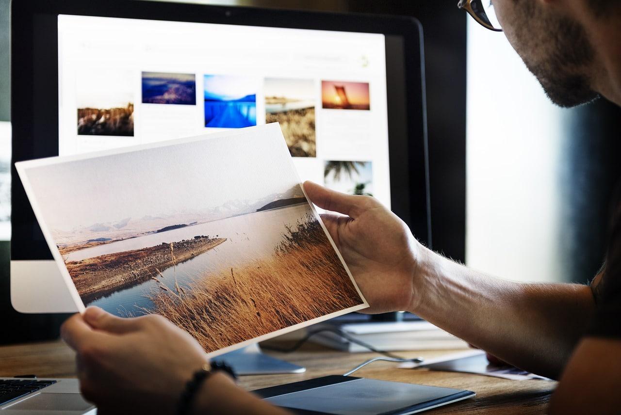 Bilder aus Bilddatenbanken rechtskonform nutzen – wie das geht, erfahrt ihr im heutigen Fundstück!