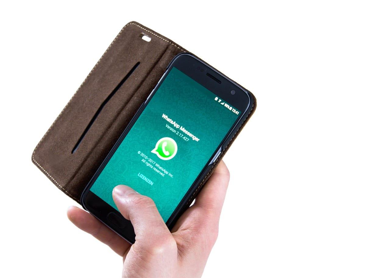 WhatsApp kämpft immer wieder mit Datenschutzbedenken und führt ab 2020 Werbung ein. Höchste Zeit sich nach Alternativen umzusehen…