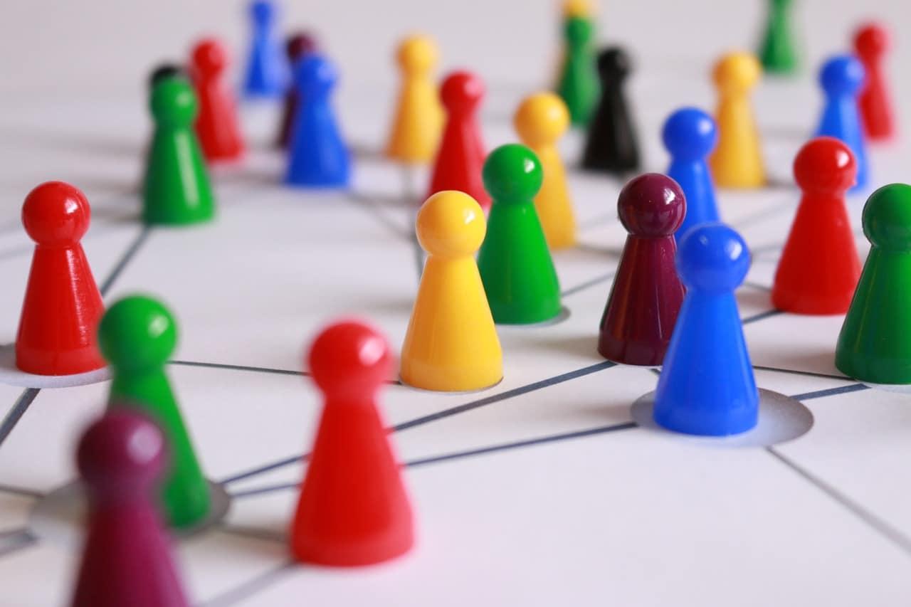 Mit meinen 4 Tipps könnt ihr auf Veranstaltungen erfolgreich Kontakte knüpfen
