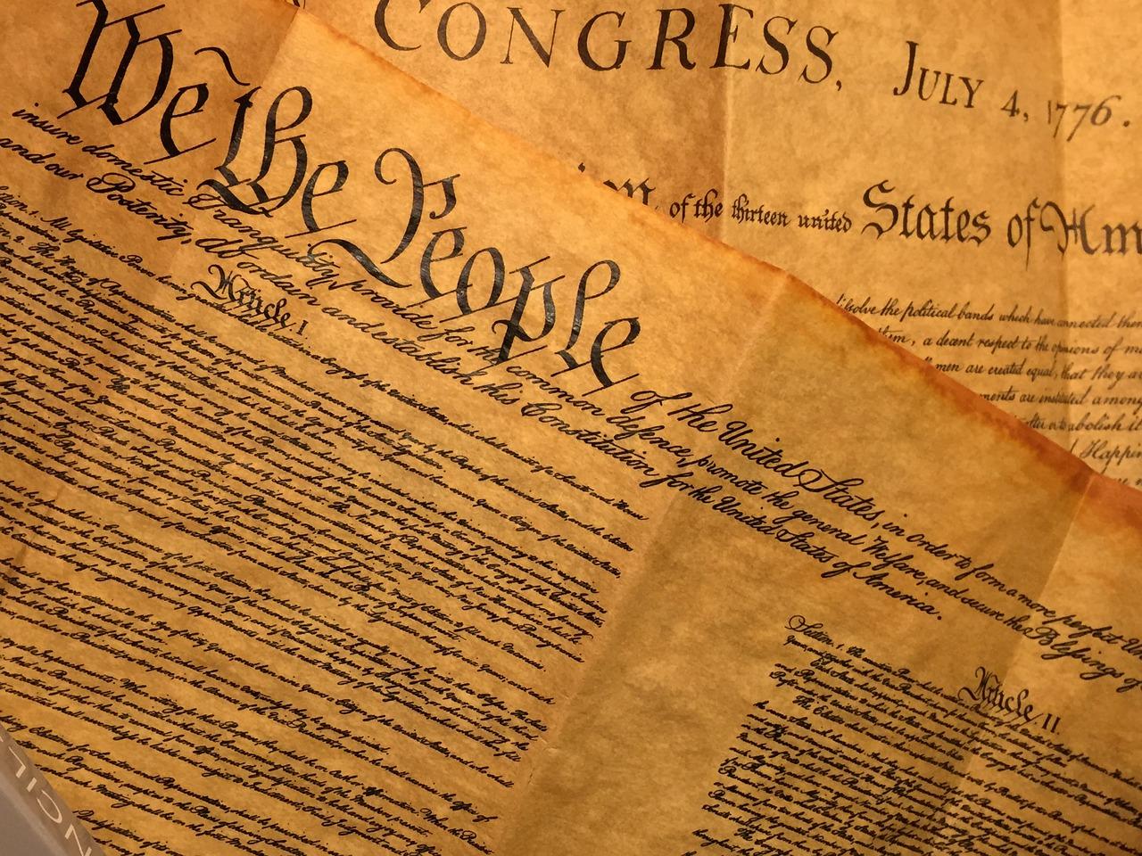 Die Verfassung: Ein Dokument dass das Internet gut gebrauchen könnte