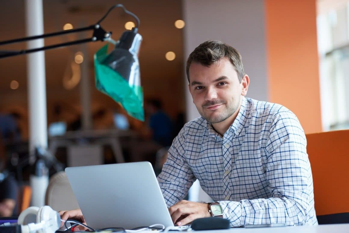 Freelancer am Laptop