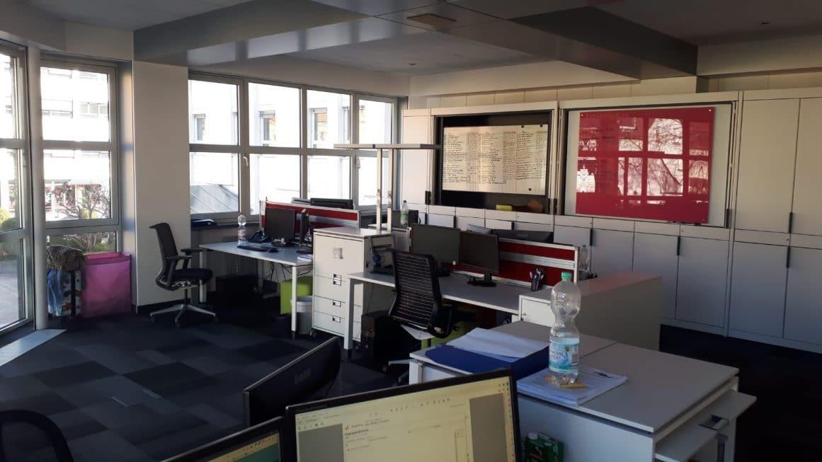 Leeres Office Exali