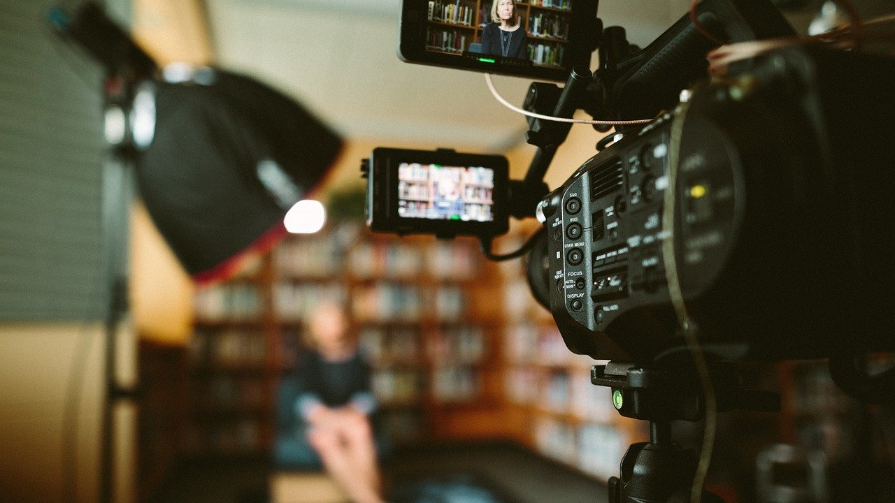 Videomarketing macht Kunden auf euch aufmerksam und muss nicht viel kosten!