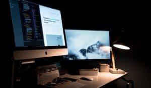 Wer auf sicheren Seiten surft, minimiert das Risiko von Cyberattacken und Phishing.